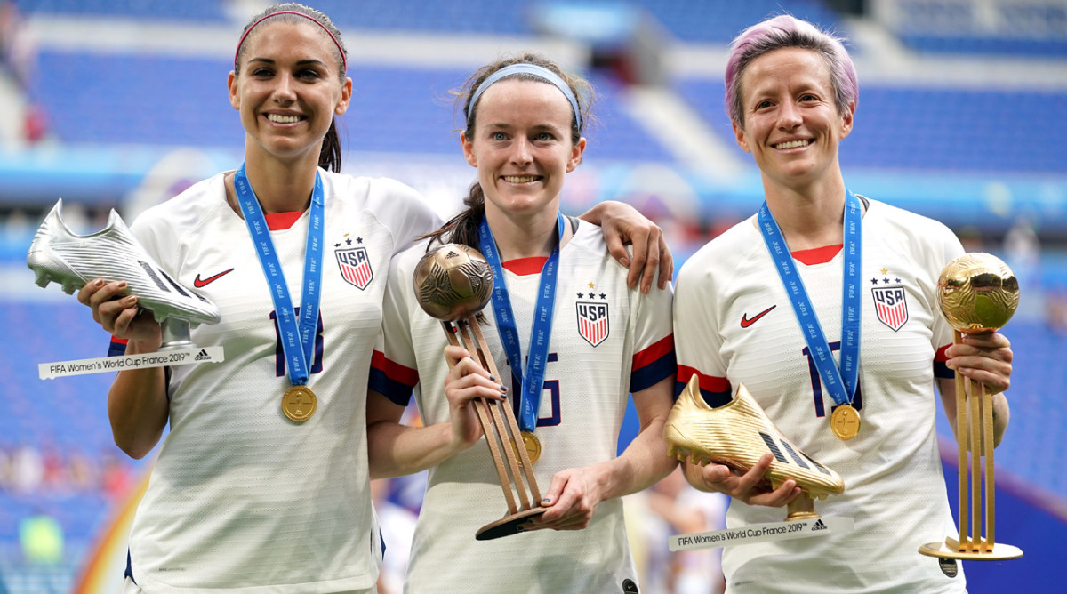 Adaptable USWNT Relies on Stars Old and New to Win 4th Women's World Cup Title