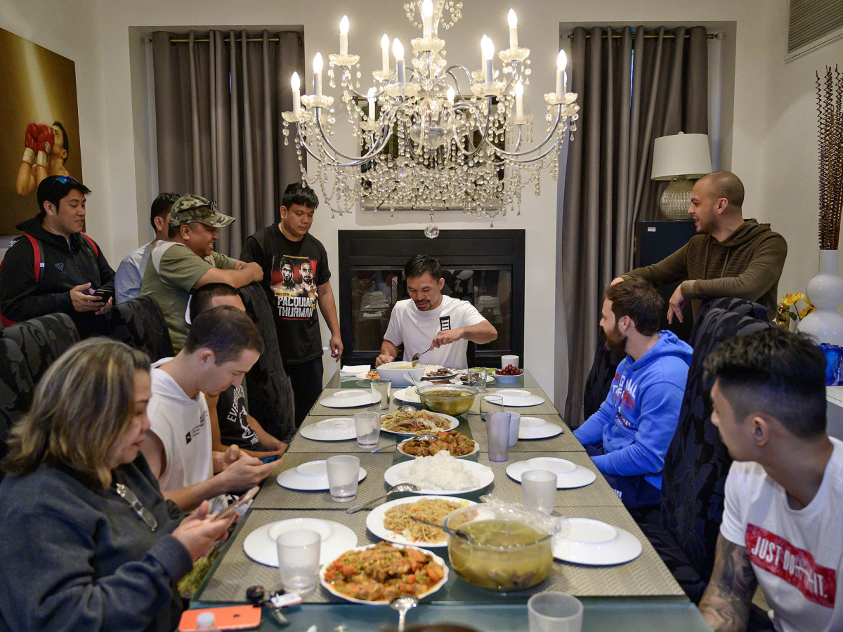 boxing-manny-pacquiao-table.jpg