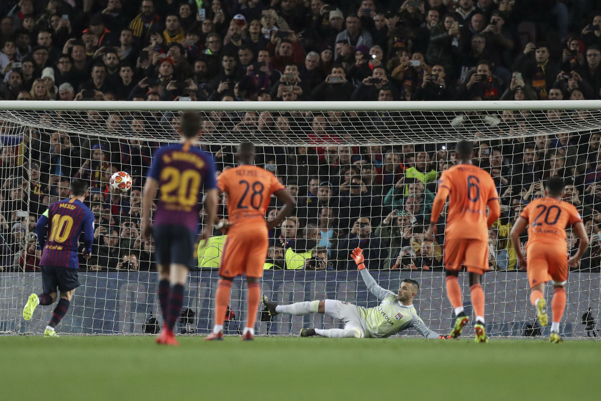 fc-barcelona-v-olympique-lyonnais-uefa-champions-league-round-of-16-second-leg-5cd695bf25eaec0cb9000001.jpg