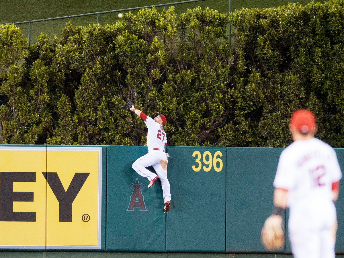 mike-trout-catch-inline-1.jpg
