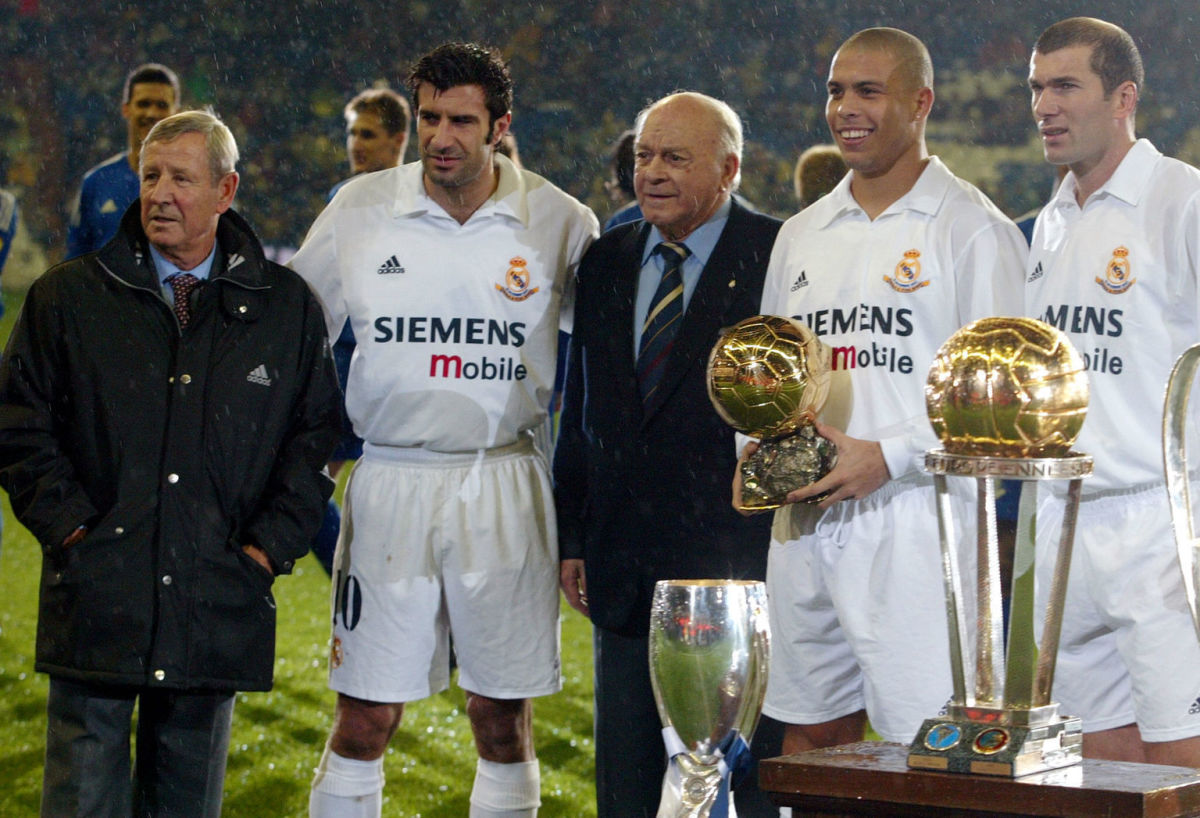real-madrid-s-players-portuguese-luis-figo-2nd-l-5d1f5aa8269a00bb86000001.jpg
