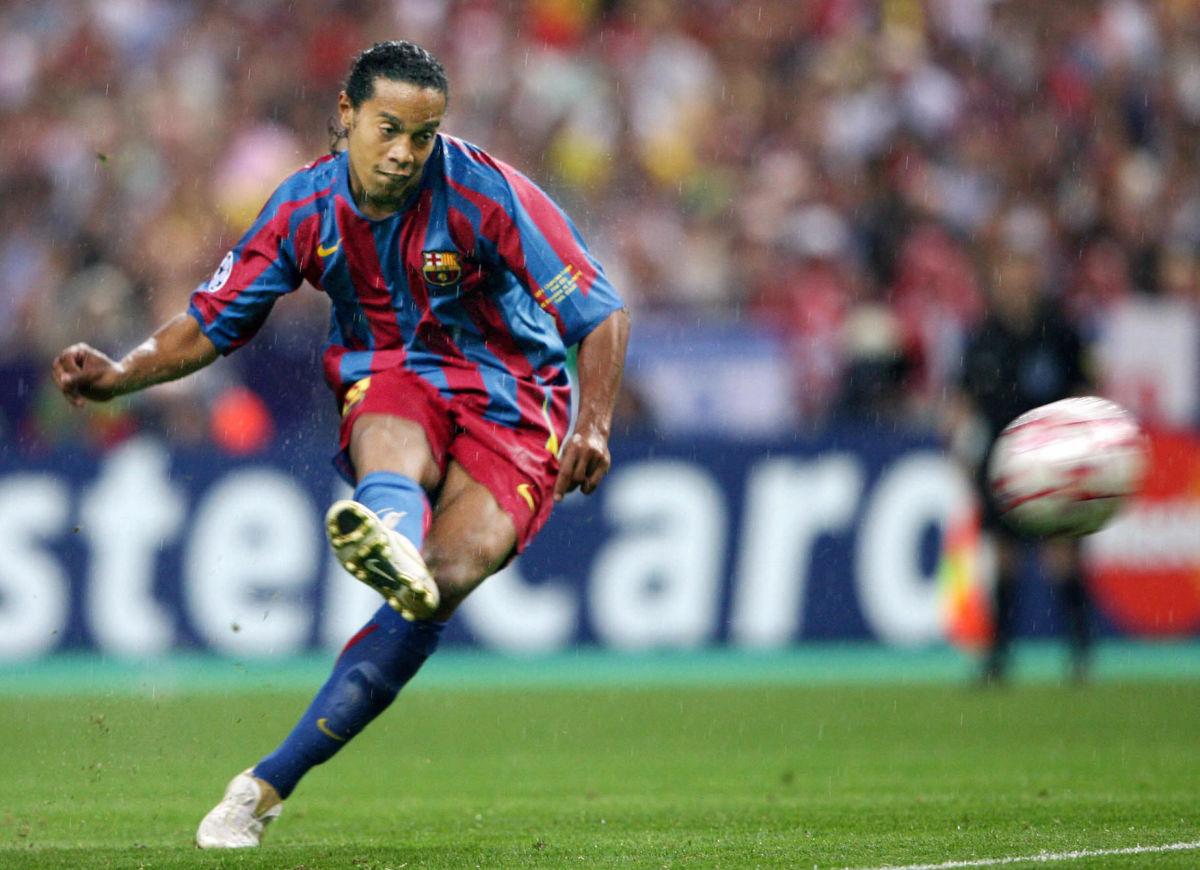 barcelona-s-brazilian-forward-ronaldinho-5d1f5ca6269a00db69000007.jpg