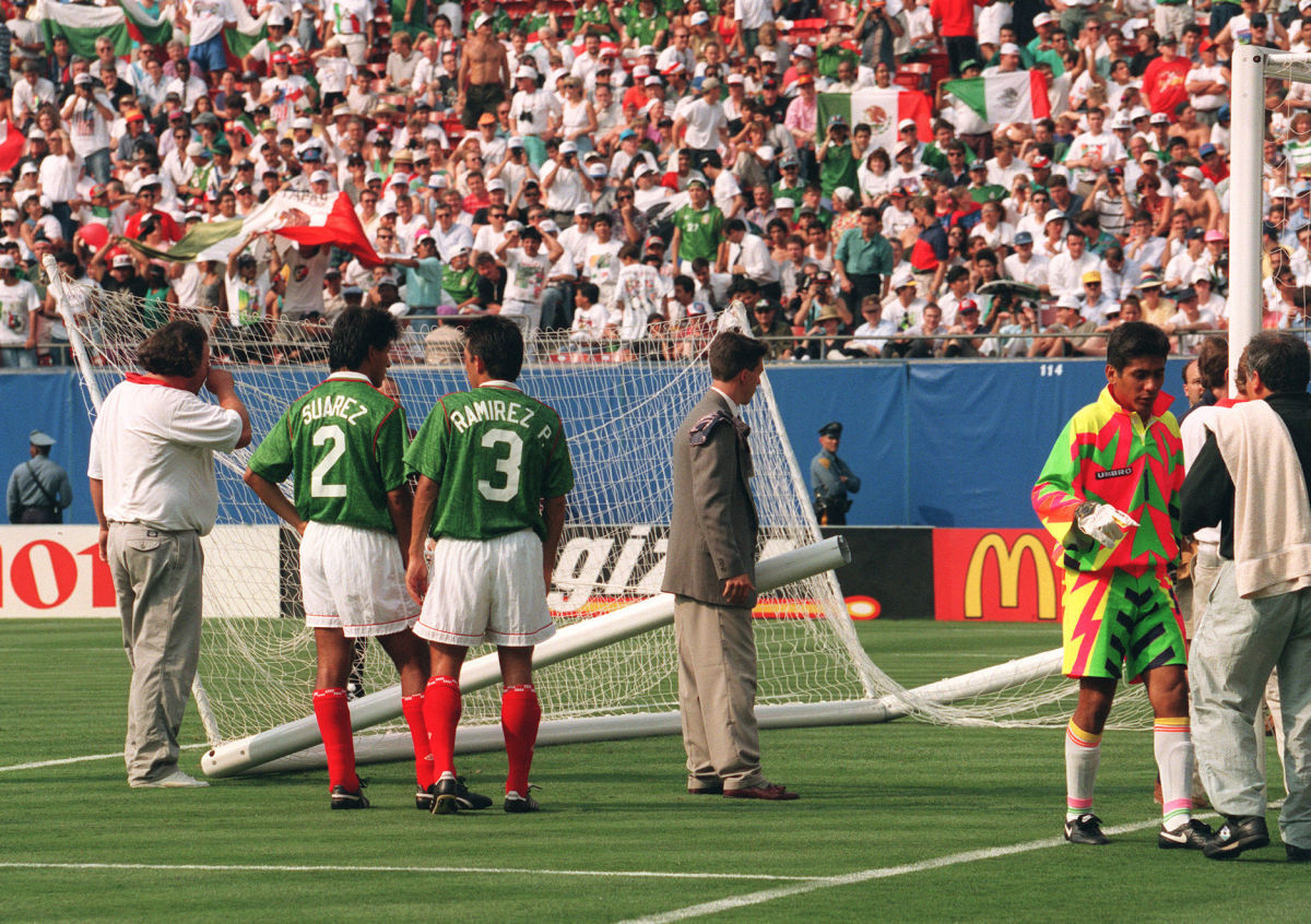 mexican-goalkeeper-jorge-campos-r-walks-off-the-5d1e0adfcbdf71dc91000001.jpg