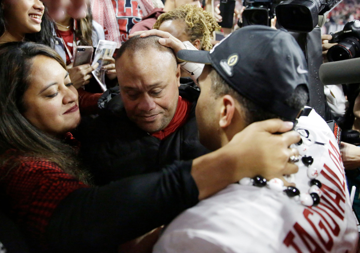 Tua Tagovailoa's parents uprooted from Hawaii to Tuscaloosa to be closer to their son, the Alabama quarterback.