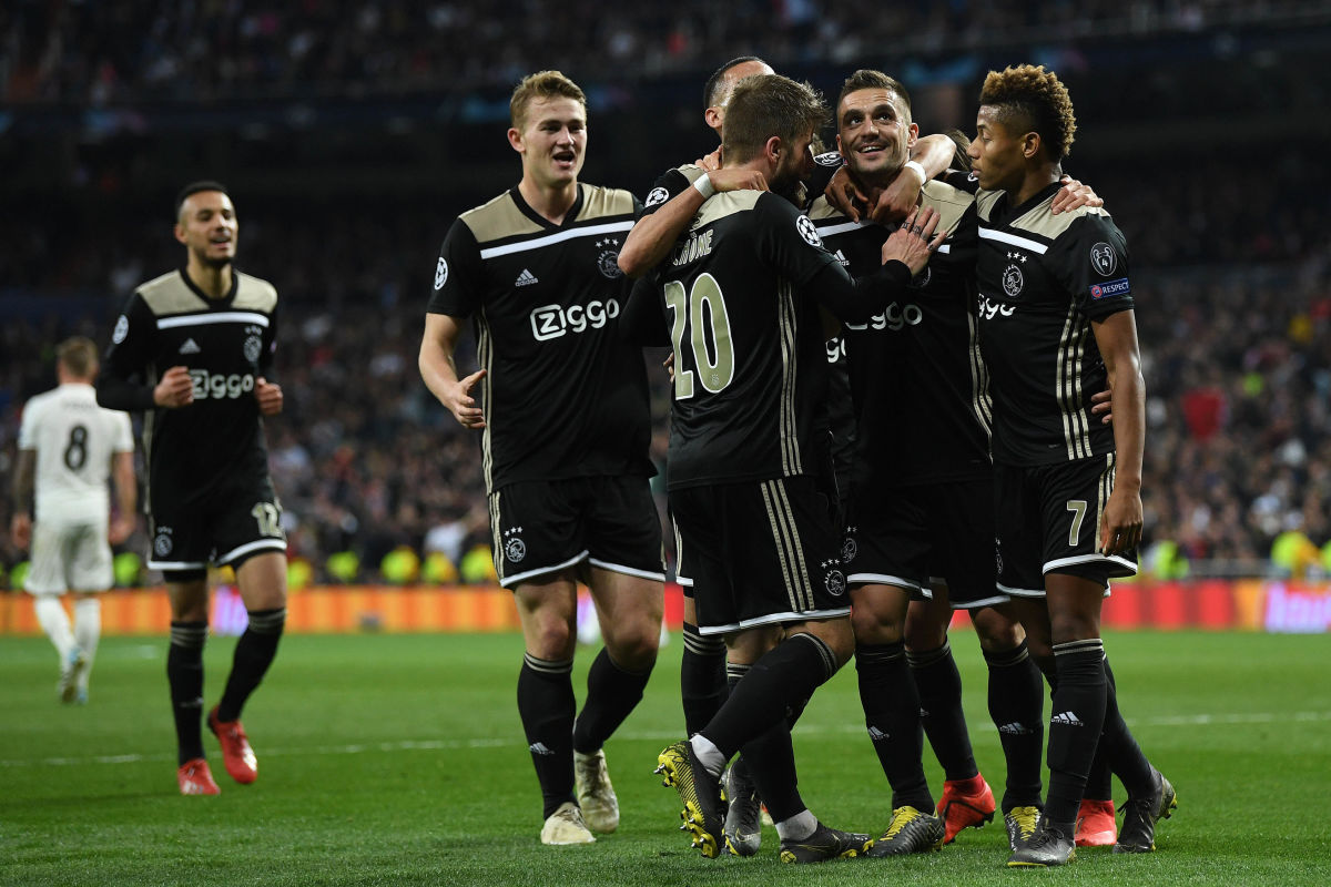 real-madrid-v-ajax-uefa-champions-league-round-of-16-second-leg-5c8bedea26f424b8f300000a.jpg