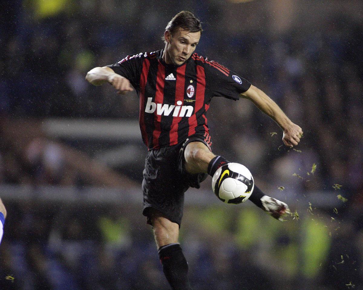 andriy-shevchenko-of-ac-milan-kicks-the-5d35cbb13e87b8d20c000001.jpg