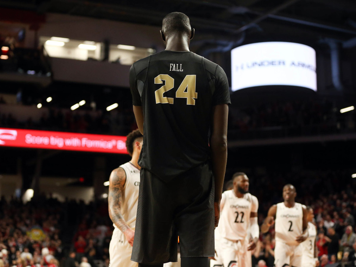 tacko-fall-ucf-height-nba-march-madness-ncaa-tournament.jpg