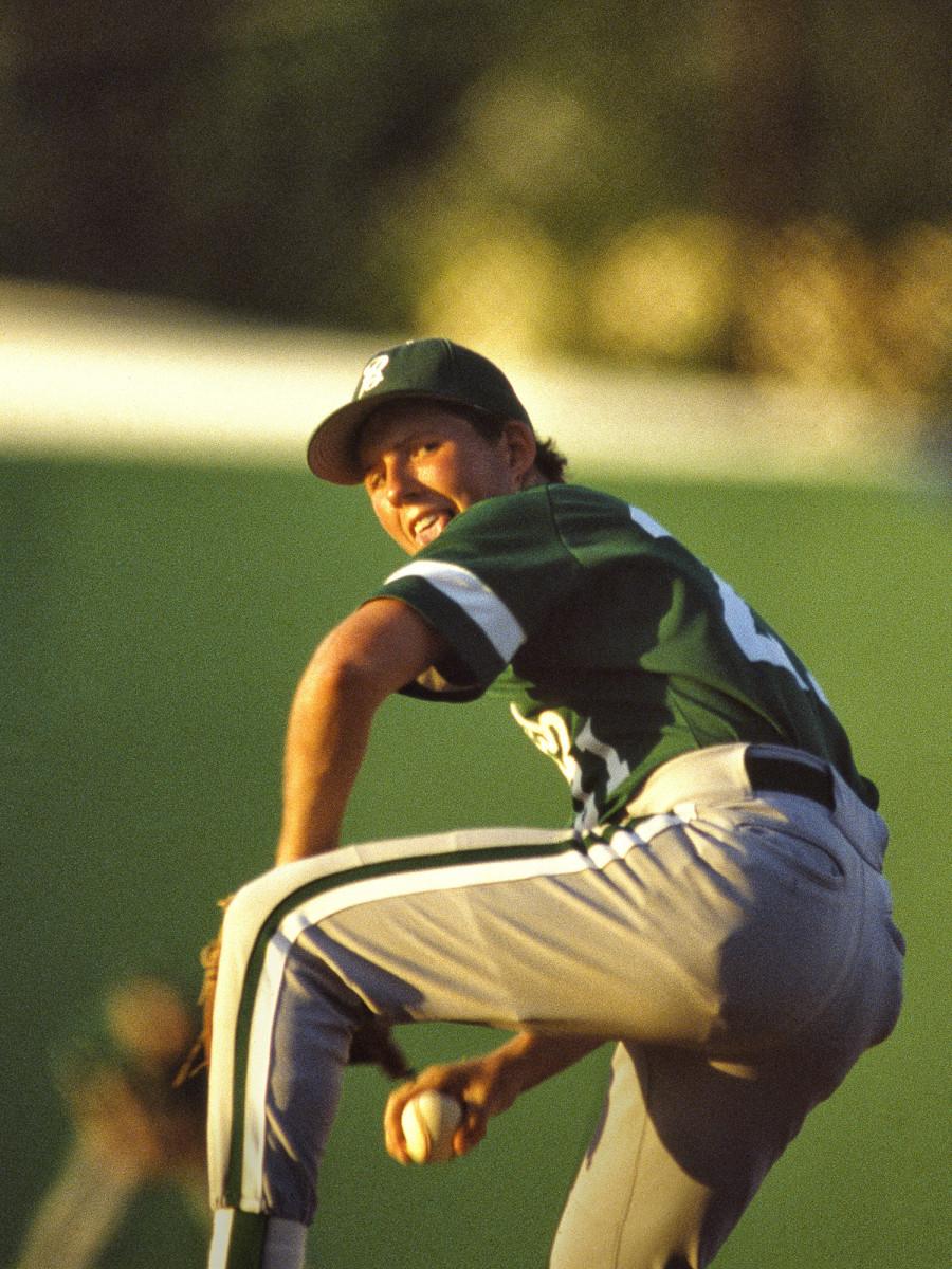 jon-peters-pitching.jpg