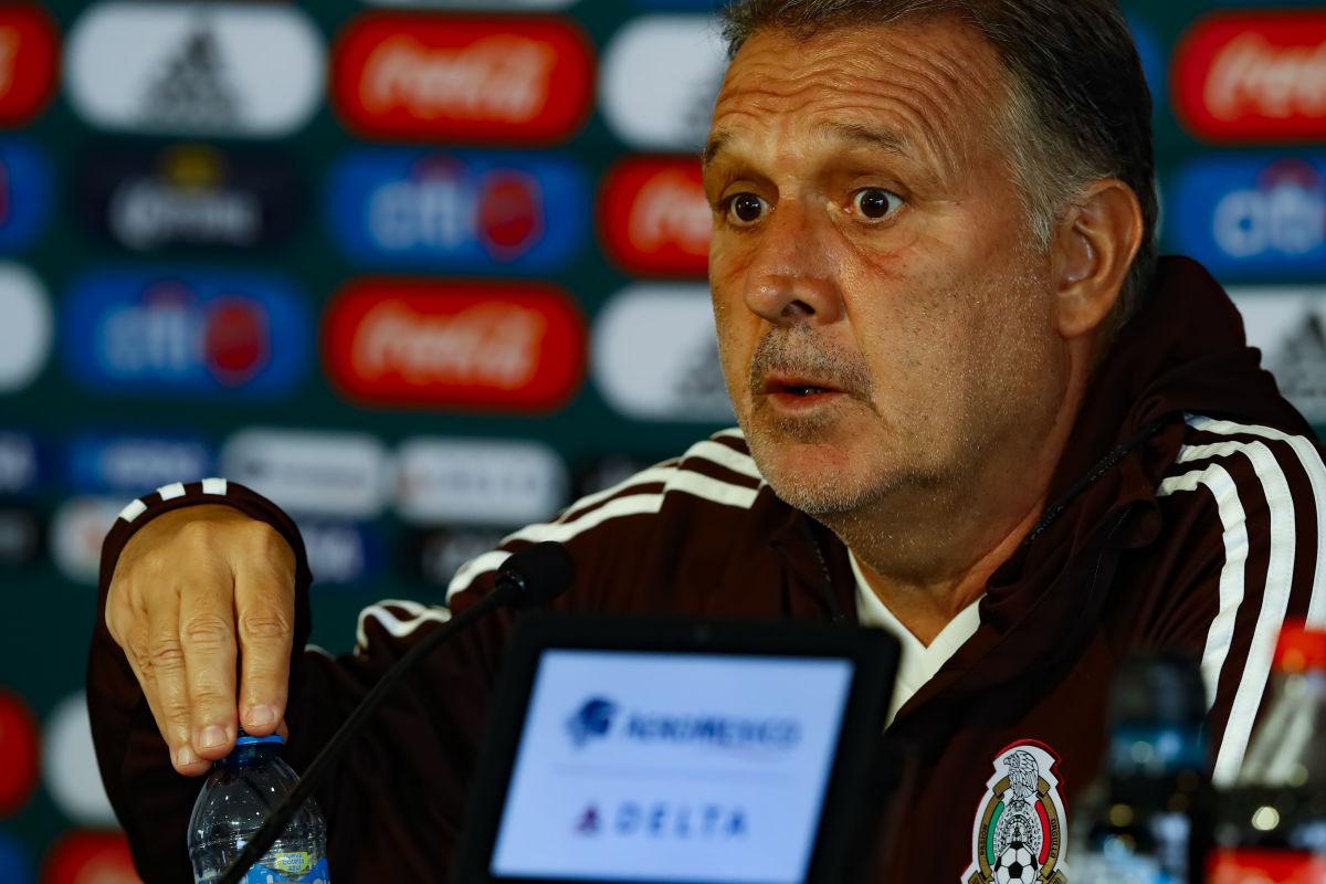 mexico-national-team-training-session-press-conference-5c950e23dfd9d3489b000001.jpg