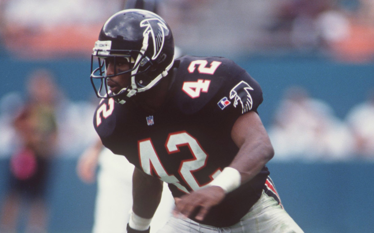 Devin Bush Sr. started his eight-year NFL career in Atlanta, the Falcons' first-round pick in 1995.