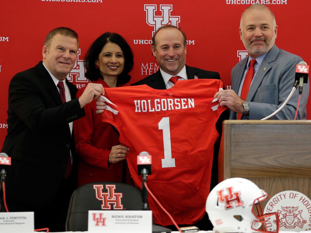 From left to right: Fertitta, University of Houston president Renu Khatur, Holgorsen and athletic director Chris Pezman.