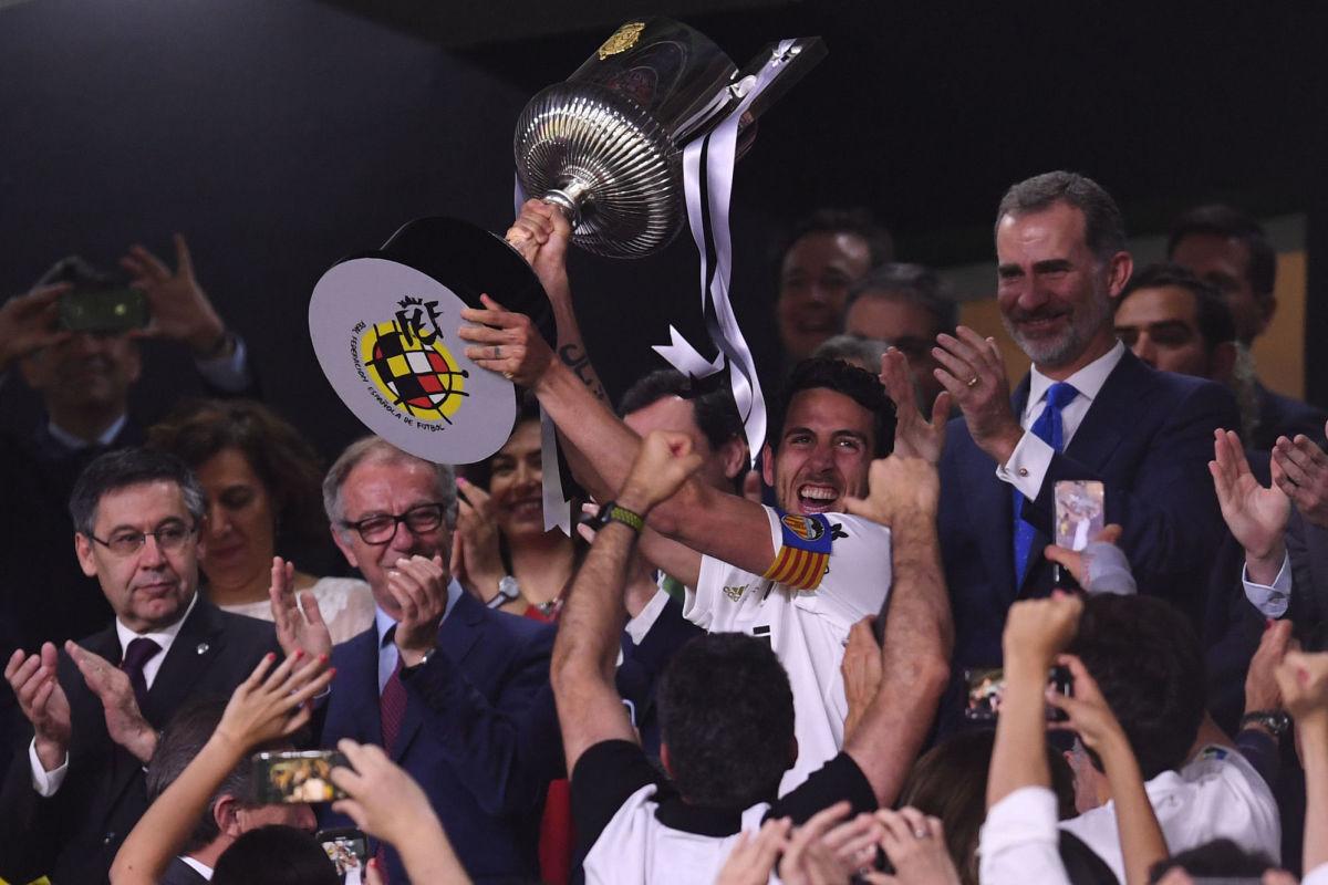 barcelona-v-valencia-spanish-copa-del-rey-final-5ce9ca8dd11b57b6a4000001.jpg