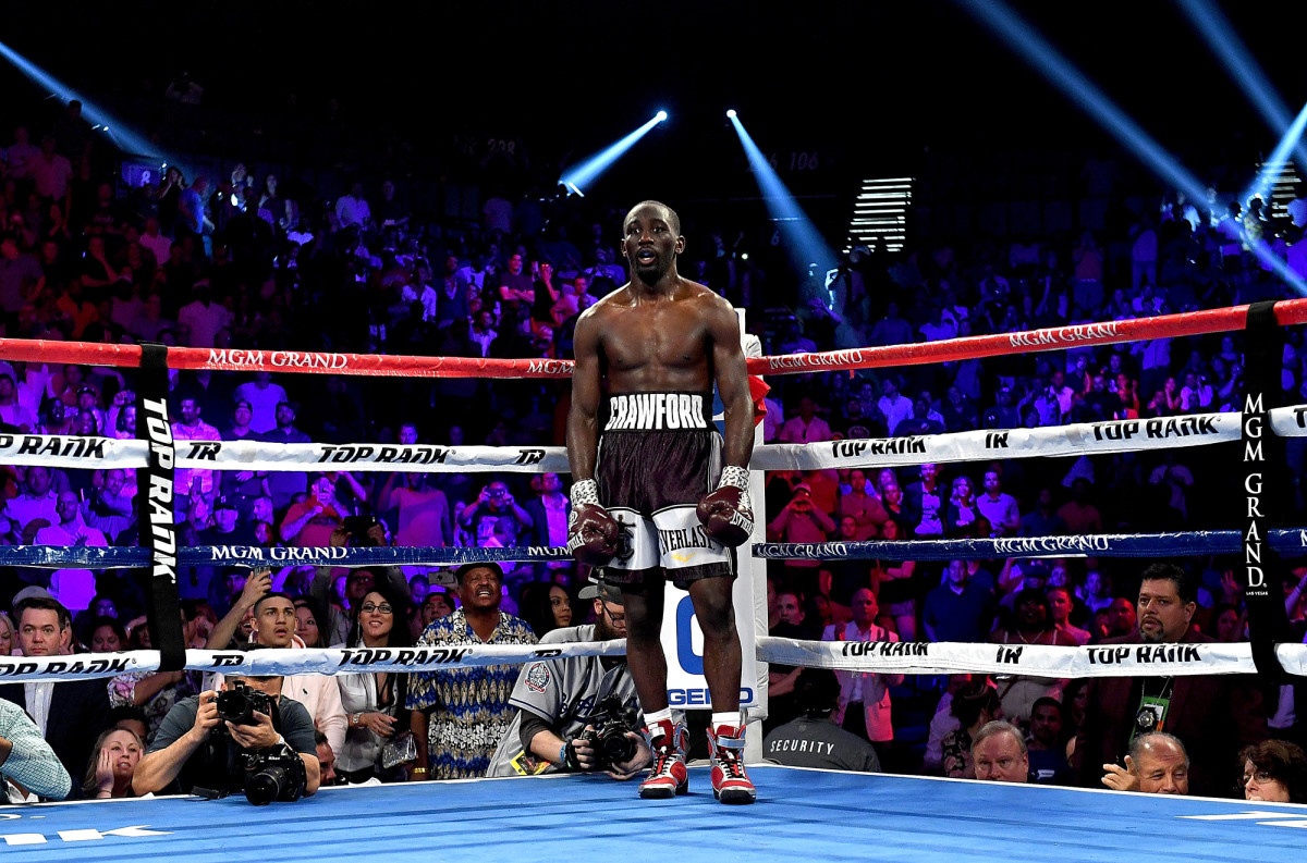 crawford-boxing-ring-horn-fight.jpg