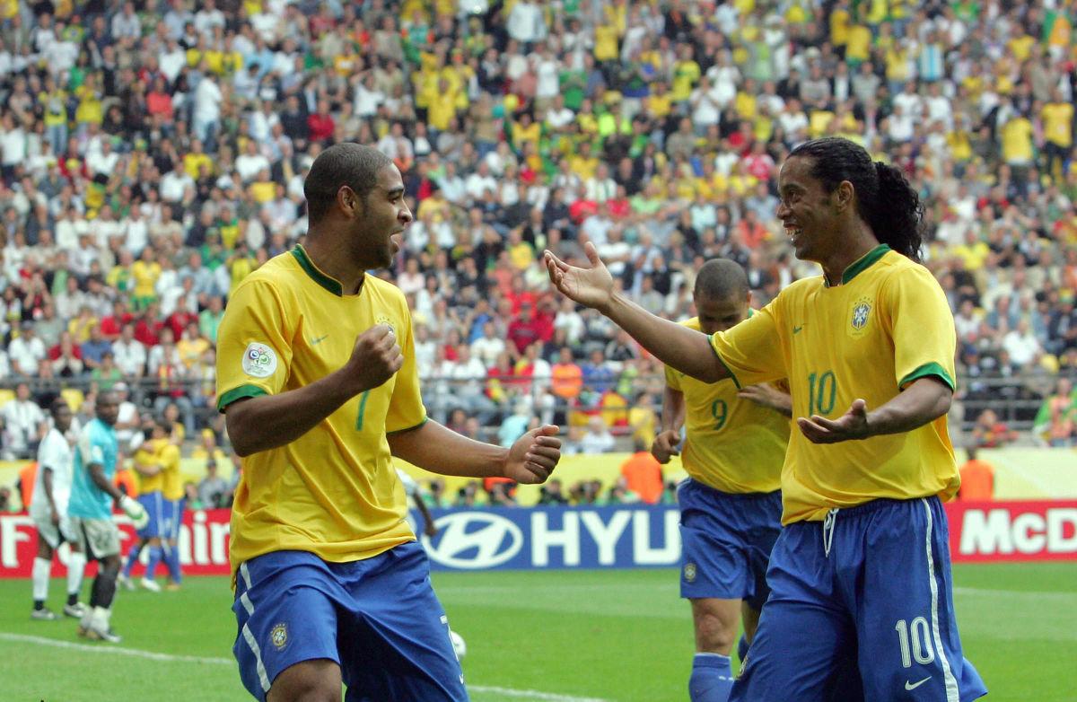brazilian-forward-adriano-l-celebratin-5d10c6247e9026463d000001.jpg