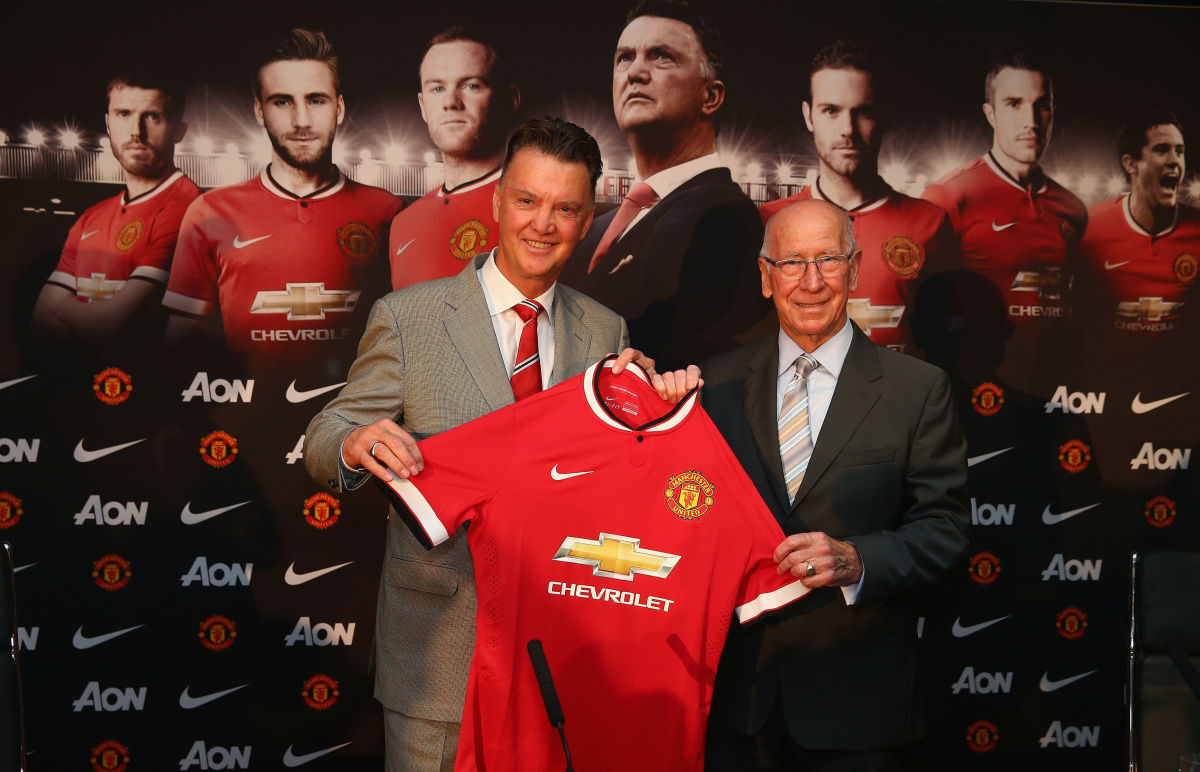 louis-van-gaal-unveiled-as-new-manchester-united-manager-5c9b4690f9cbd36c0700000d.jpg