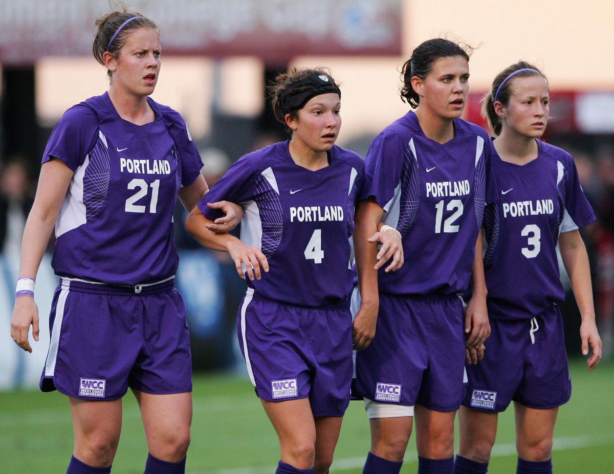 ncaa-women-s-soccer-division-i-semifinals-penn-state-vs-portland-5d27102d3f83cfd4d0000023.jpg