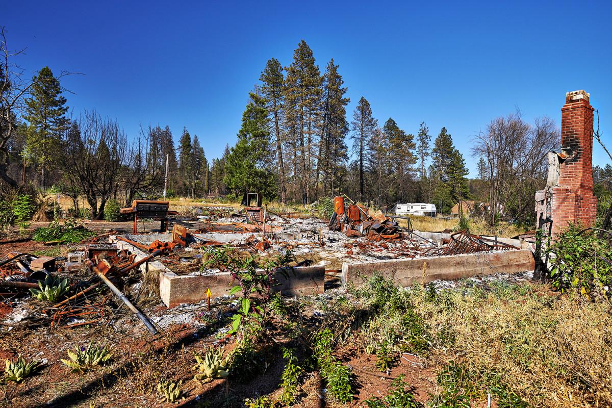 paradise-destruction-buildings