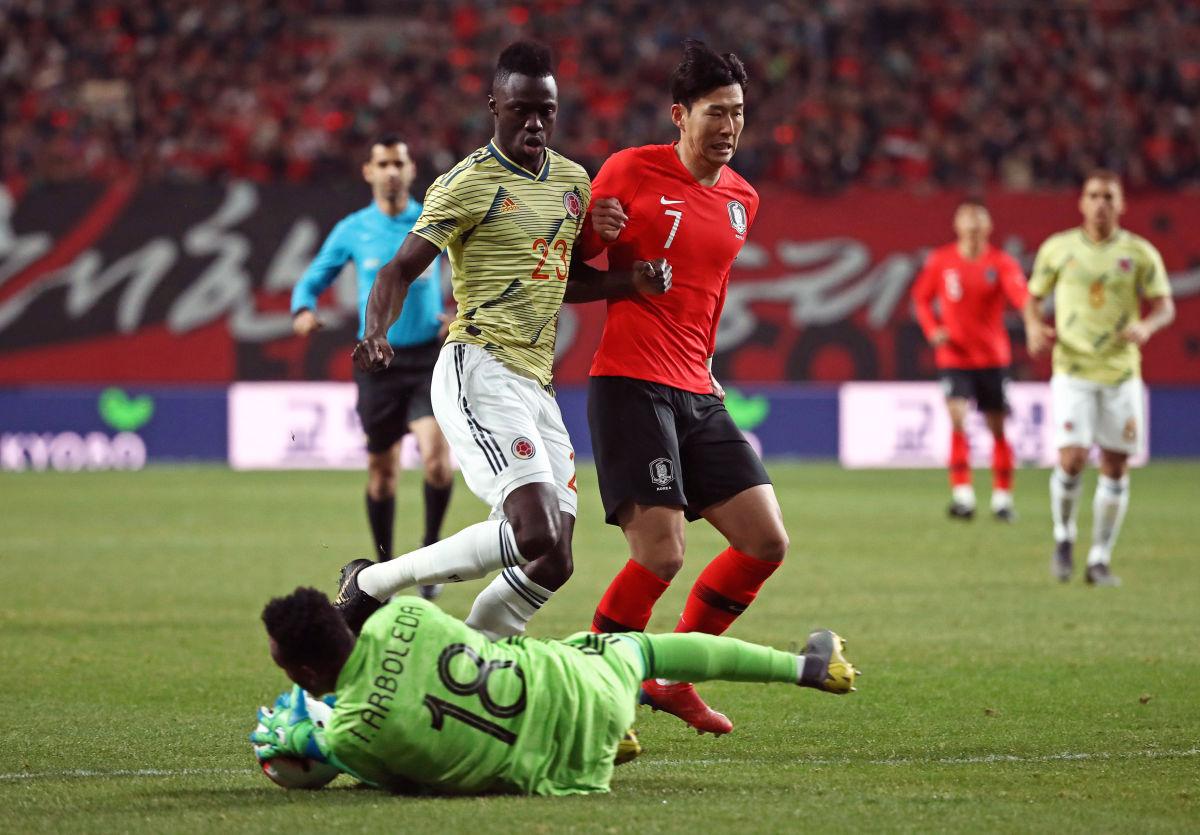 south-korea-v-colombia-international-friendly-5c9ac1072cf1f53377000001.jpg