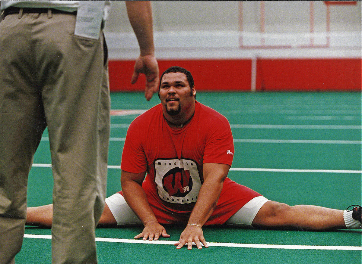 Gibson at Wisconsin's Pro Day in 1999 (he weighed 386 pounds at the combine).