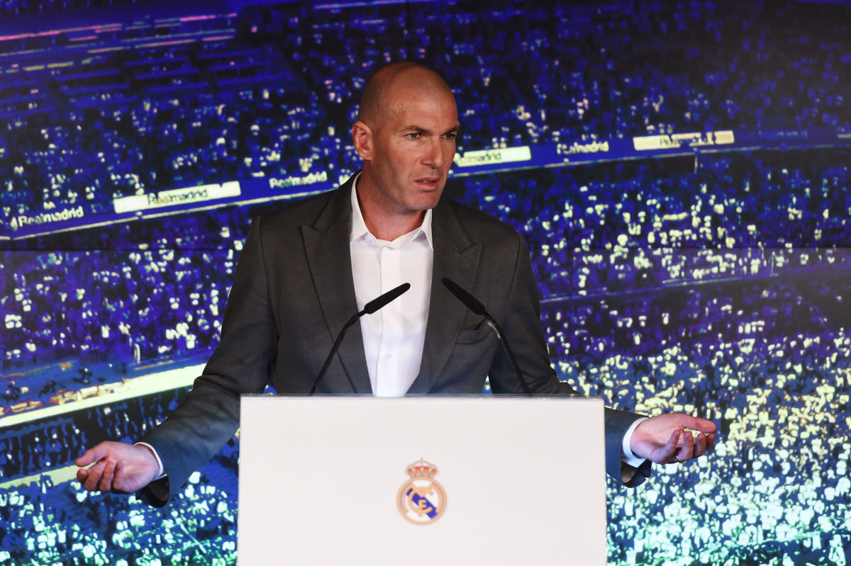 real-madrid-unveil-new-manager-zinedine-zidane-5c88d91f8486f37e4d000014.jpg