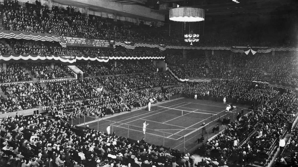 Suzanne Lenglen and Mary K. Browne face off for the first time at Madison Square Garden.