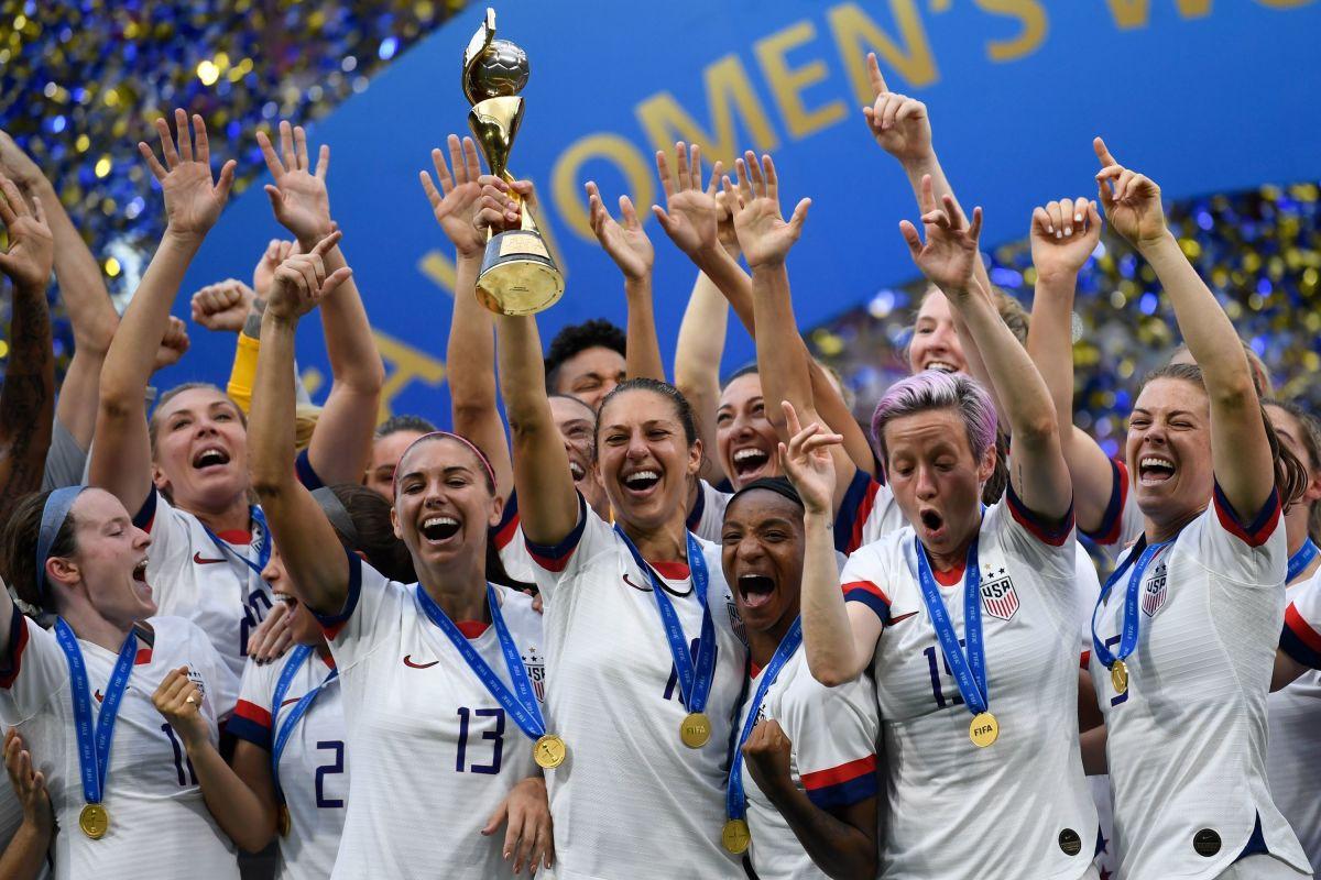 fbl-wc-2019-women-match52-usa-ned-trophy-5d2383a8cbdf71f146000001.jpg