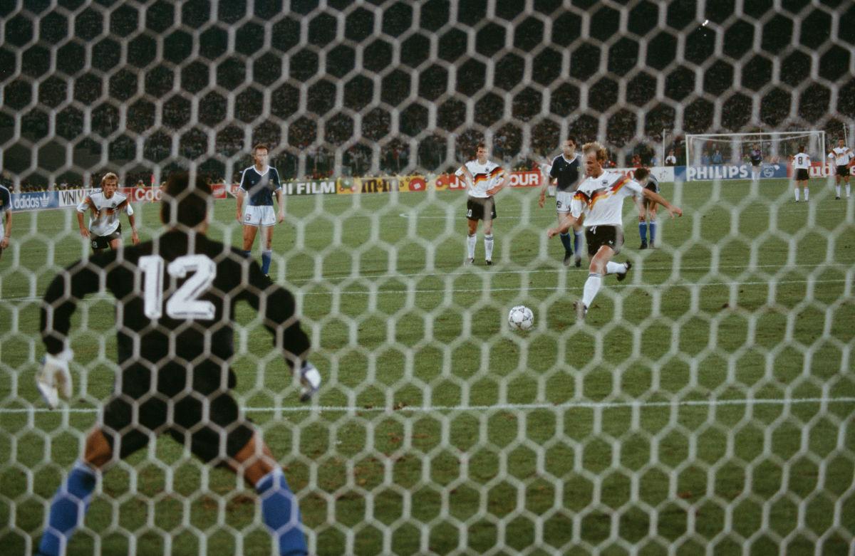 ita-world-cup-1990-final-argentina-v-germany-5d14c901aef03b7f66000001.jpg