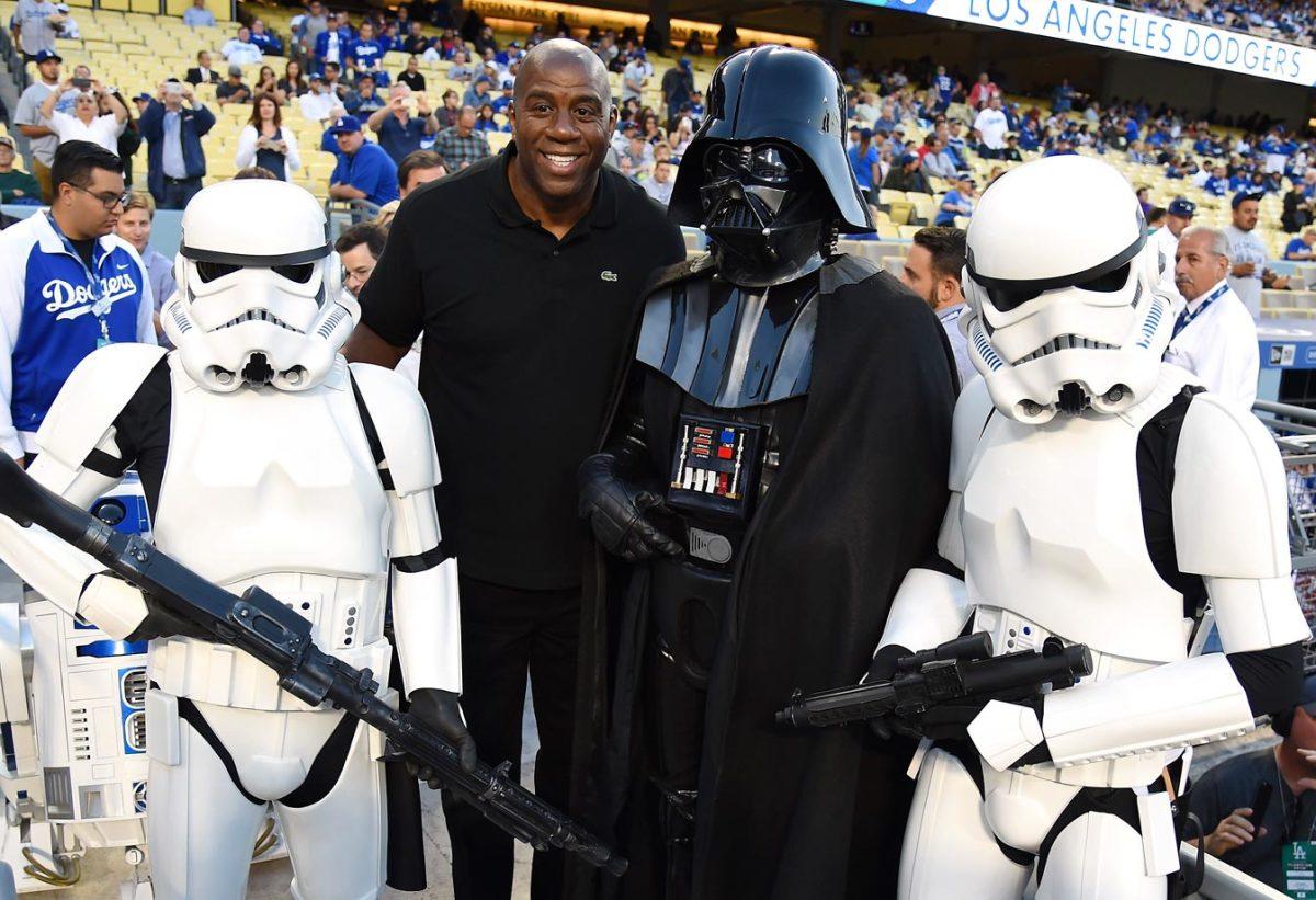 2015-0414-Magic-Johnson-Darth-Vader-Stormtroopers-Star-Wars.jpg