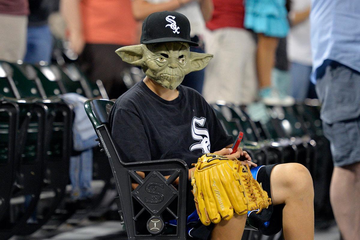 2014-0829-Yoda-mask-Star-Wars.jpg