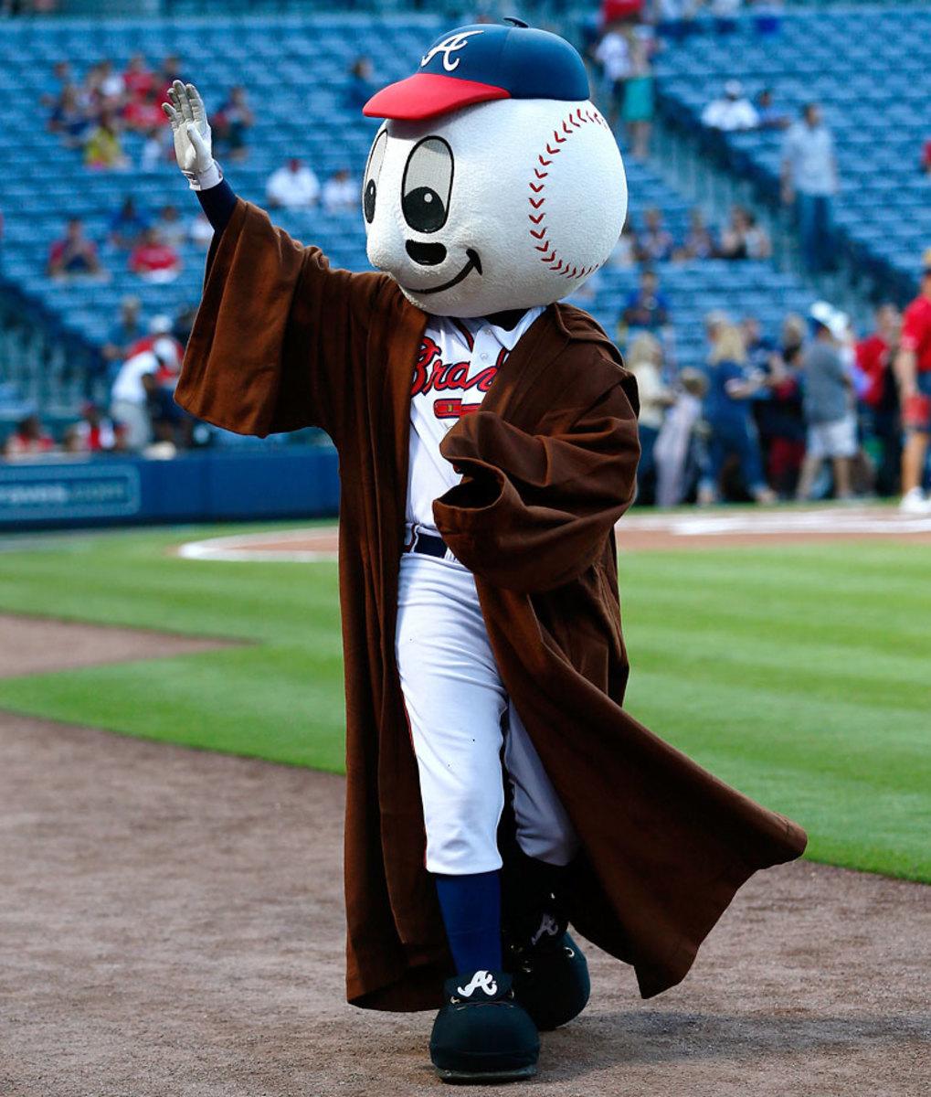 2014-0919-Atlanta-Braves-mascot-homer-Star-Wars.jpg