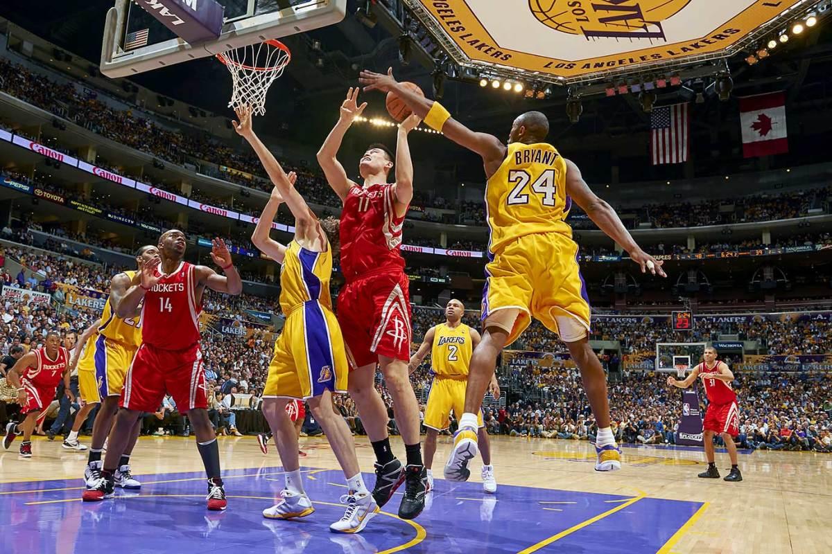 2009-0506-Kobe-Bryant-Yao-Ming-ophd-139067.jpg