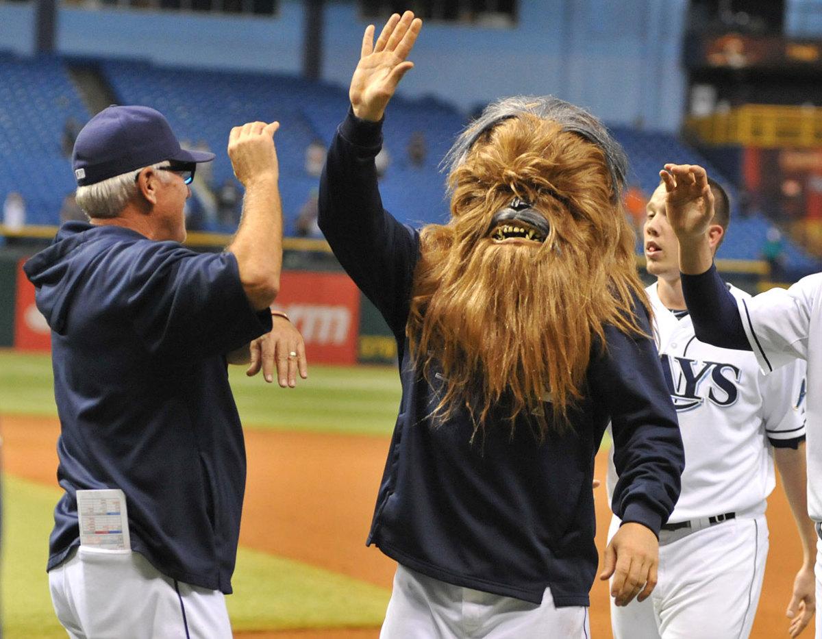 tampa-bay-rays-luke-scott-chewbacca-mask.jpg