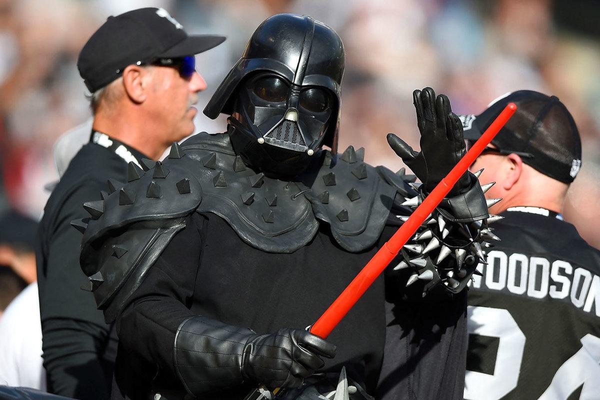 2014-1221-Oakland-Raiders-fan-Darth-Vader-Star-Wars.jpg