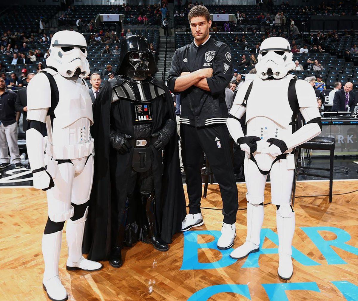 2015-1214-Brook-Lopez-Star-Wars.jpg