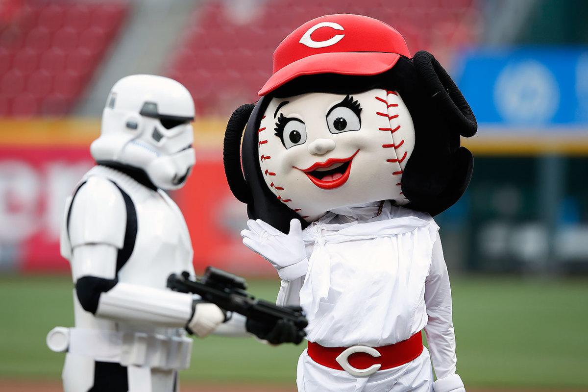 2015-0515-Cincinnati-Reds-mascot-Rosie-Red-Princess-Leia.jpg