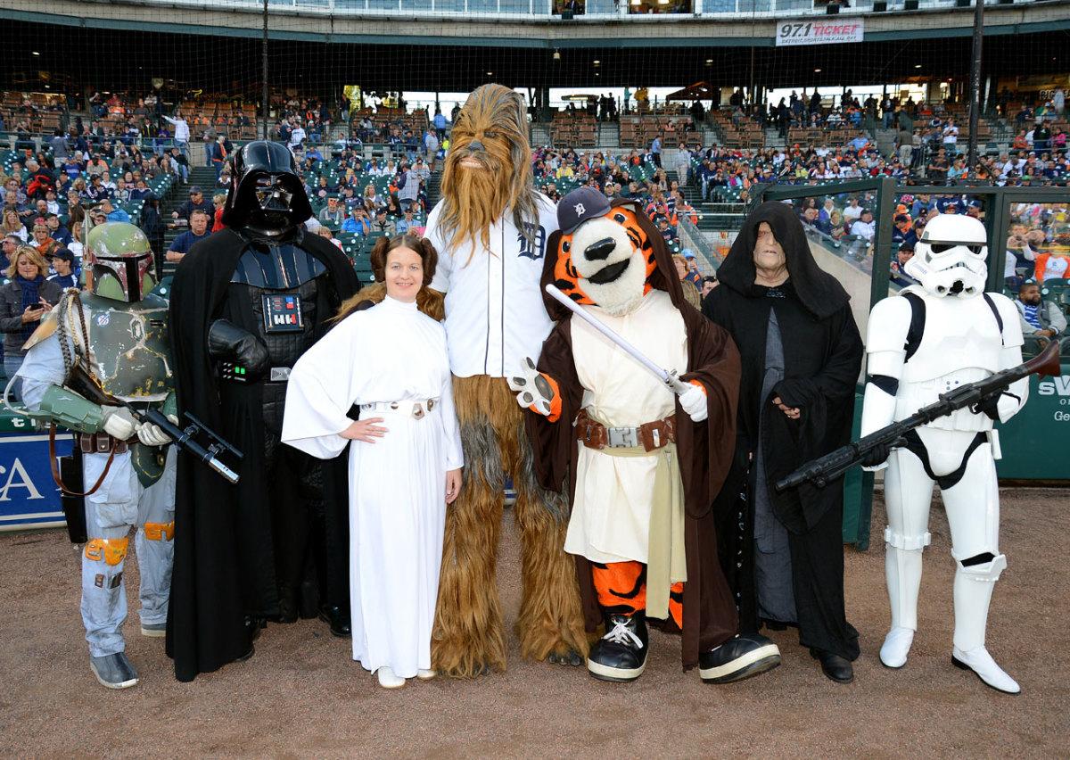 detroit-tigers-mascot-paws-star-wars.jpg