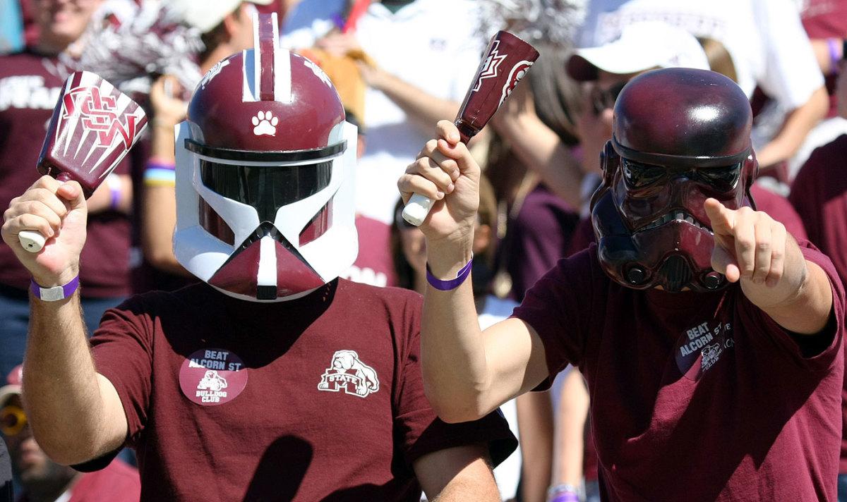 mississippi-state-fans-troopers.jpg