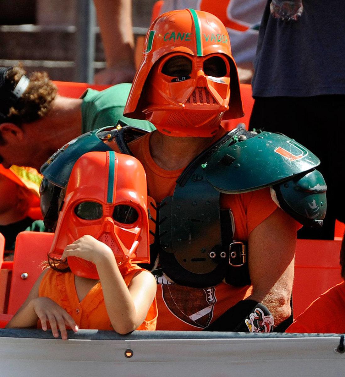 miami-hurricanes-fans-darth-vader-masks.jpg