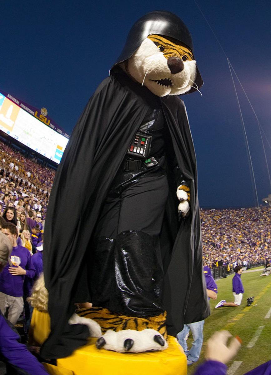 lsu-mascot-mike-the-tiger-darth-vader.jpg
