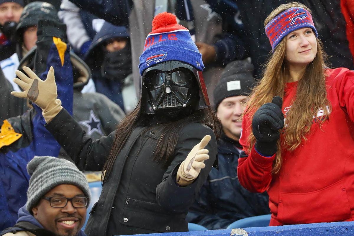 2015-1227-Buffalo-Bills-Darth-Vader-fan.jpg