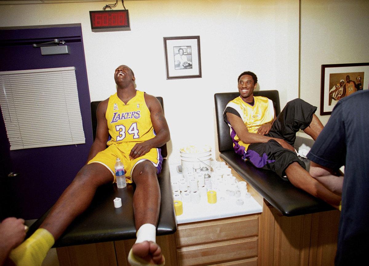 2002-0401-Shaquille-O'Neal-Kobe-Bryant-001250663.jpg