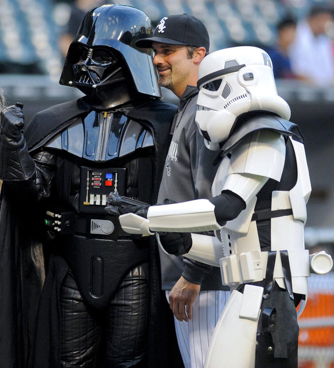 2014-0829-Paul-Konerko-Darth-Vader-Stormtrooper-Star-Wars.jpg