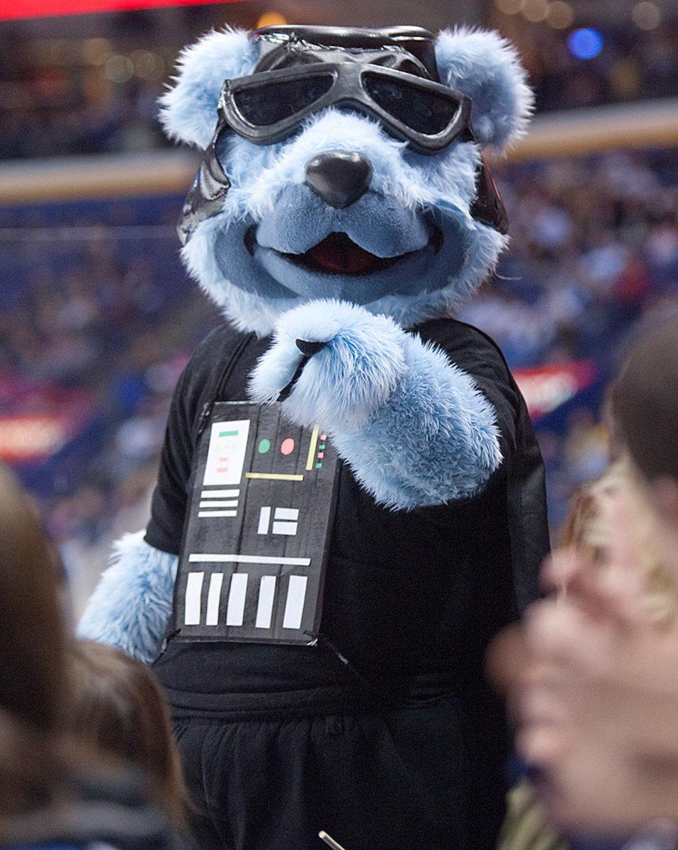 blues-mascot-louie.jpg