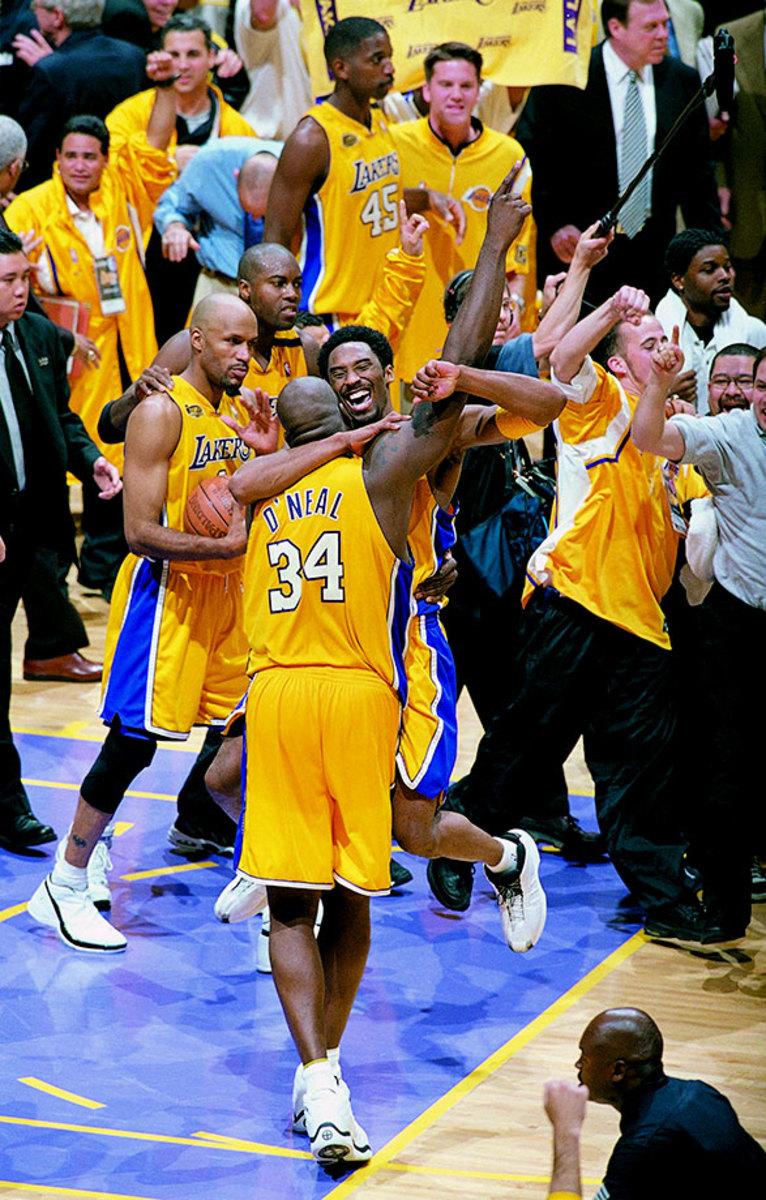 2000-0619-Kobe-Bryant-Shaquille-O'Neal-01065305.jpg