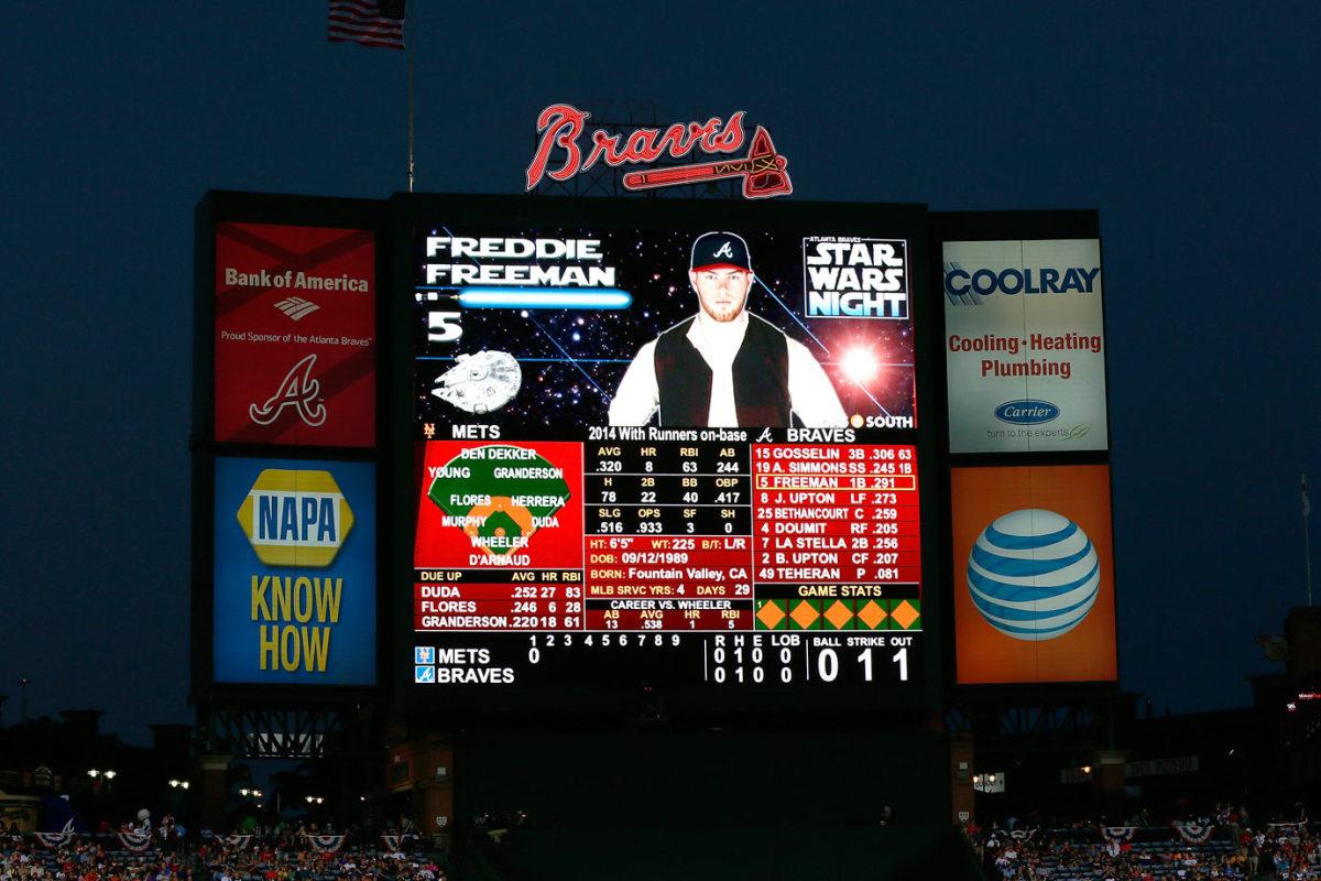 2014-0919-Freddie-Freeman-scoreboard-Star-Wars.jpg