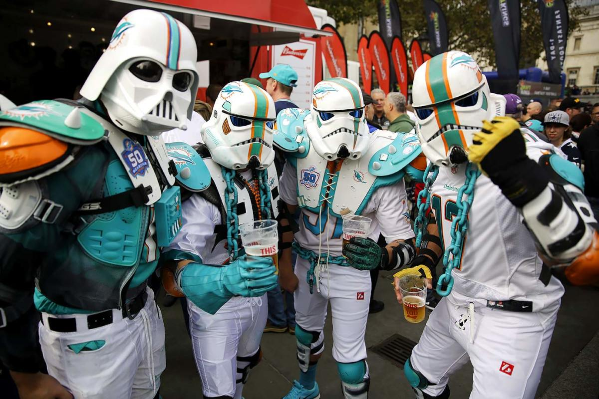 2015-1003-Miami-Dolphins-Fintroopers-stormtroopers.jpg