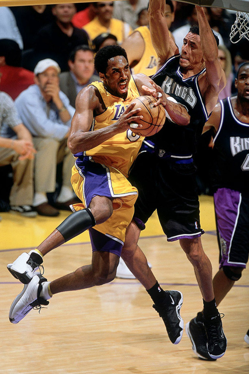 2001-0508-Kobe-Bryant-Doug-Christie-001231940.jpg