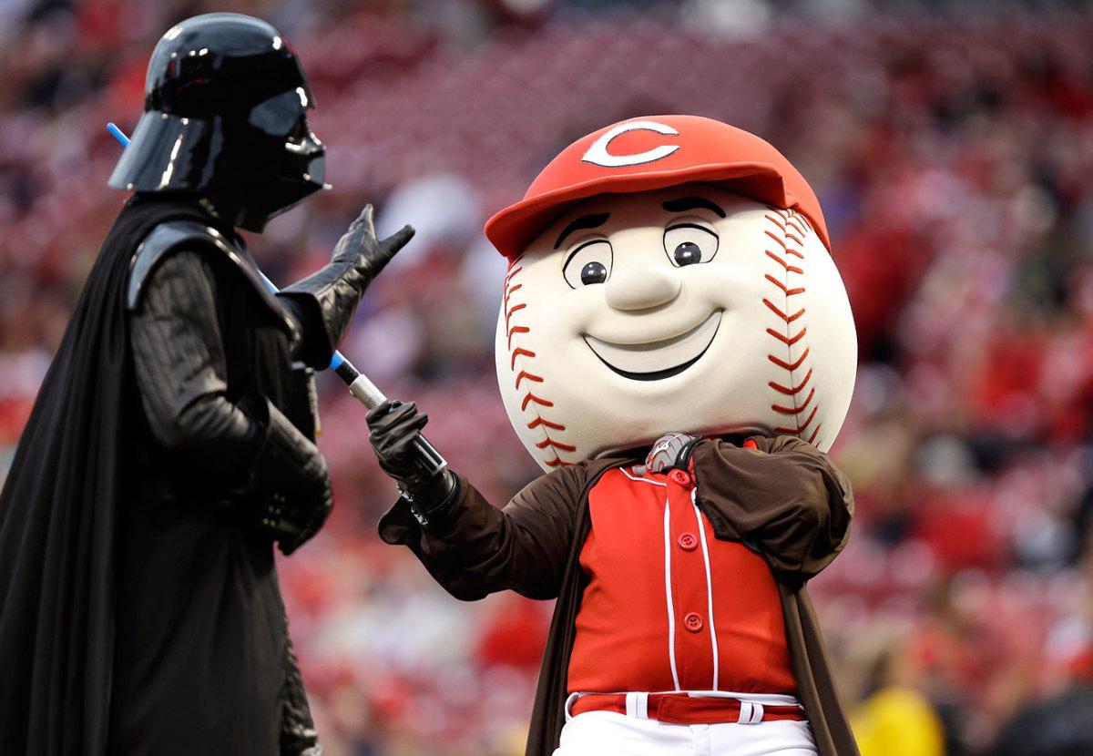 2014-0502-Cincinnati-Reds-mascot-Mr-Red-Darth-Vader-Star-Wars.jpg