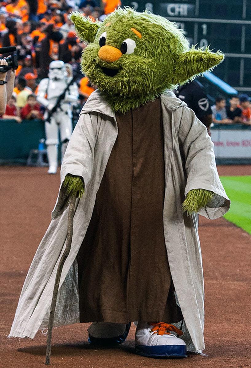 2015-0906-Houston-Astros-mascot-Orbit-Yoda.jpg