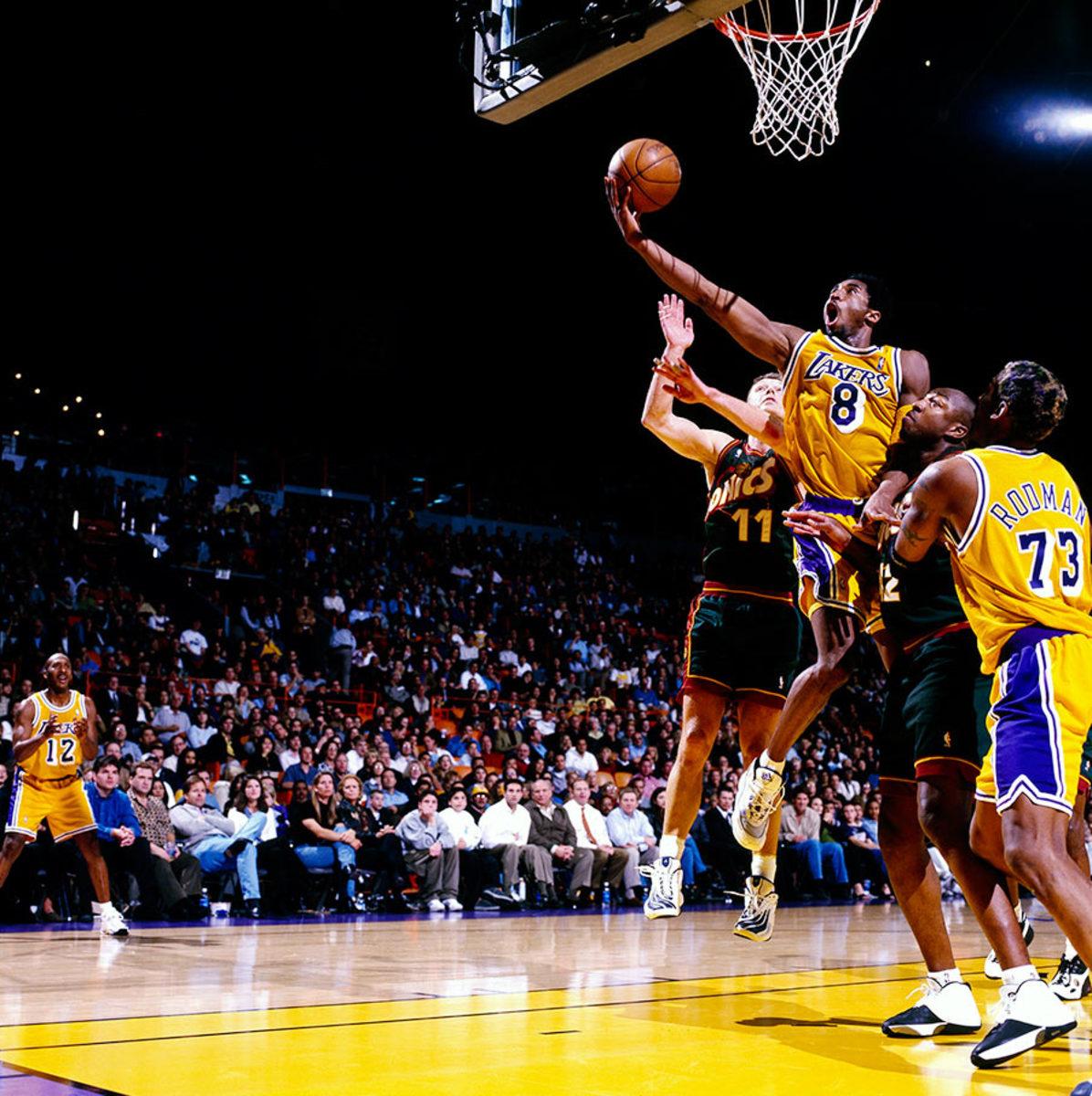 1999-1226-Kobe-Bryant-079117370.jpg